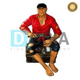 PR04 - Pirat figura reklamowa-dekoracyjna